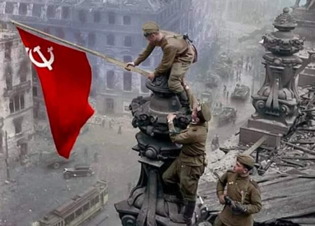 Знамя Победы подняли на самом высоком флагштоке на Дальнем Востоке
