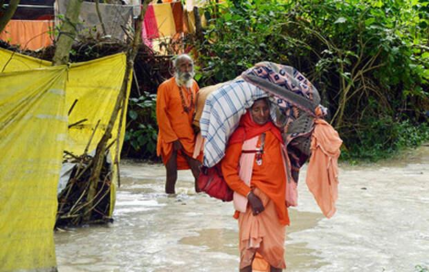 Десятки жителей Индии погибли из-за мощных ливней
