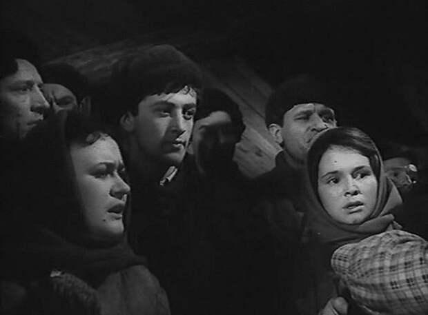 Первые роли в кино наших любимых советских актеров.
