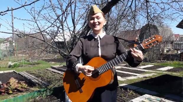 Народная артистка Удмуртии Надежда Уткина вошла в число лучших исполнителей песни «День Победы»