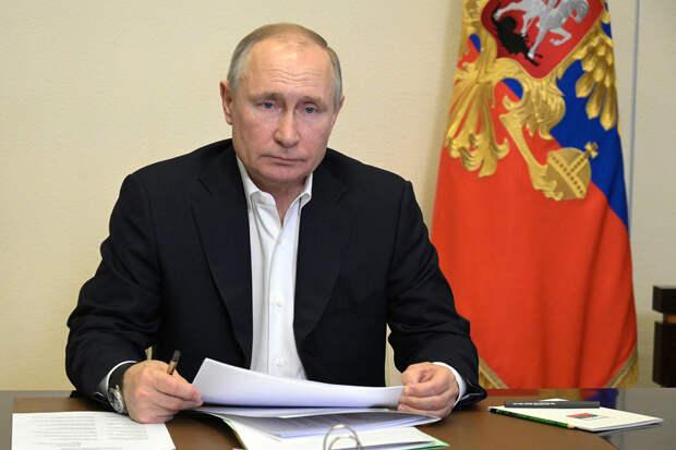 Путин подписал закон c требованиями для участия физлиц-иноагентов в выборах