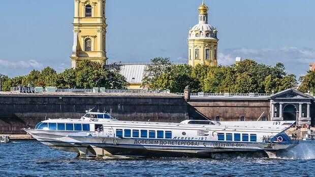 Добраться из Кронштадта в Петербург со 2 мая можно будет по воде