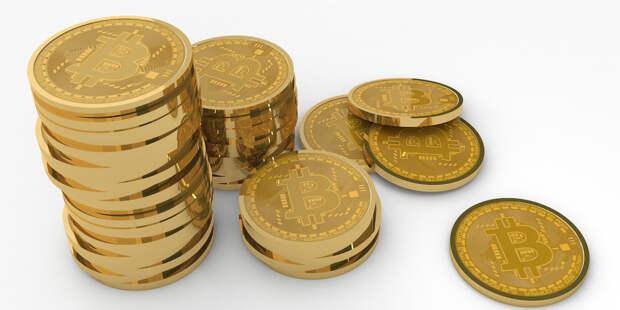 Стоимость биткоина упала более чем на 15%