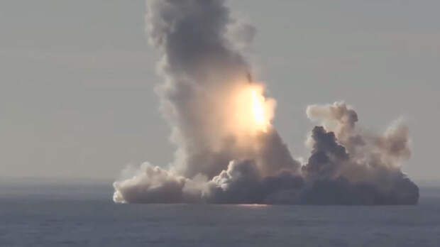Ослепляет ПРО, пугает Запад: на что способна ракета «Булава»