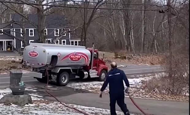 Дома в США заправляют бензином. Эмигрант рассказал о причинах явления