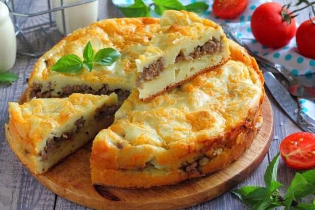 Заливной пирог с мясом. Простейший пирог с начинкой из зелёного лука и мяса 2
