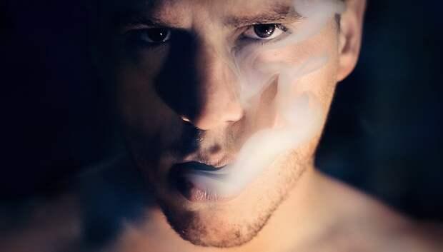 Нарколог Минздрава Подмосковья опроверг связь между курением и Covid‑19