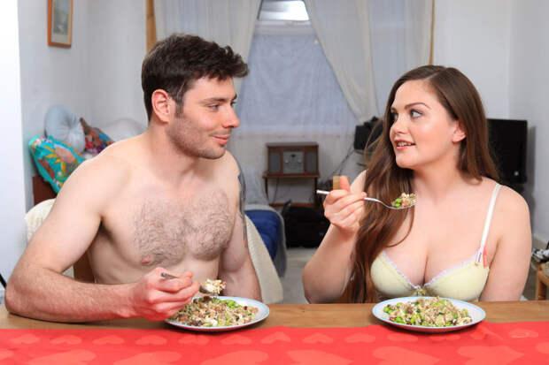 Хотите похудеть? Ешьте голыми!