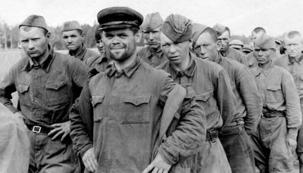 Как зэки в ГУЛАГе относились к бывшим офицерам Красной Армии