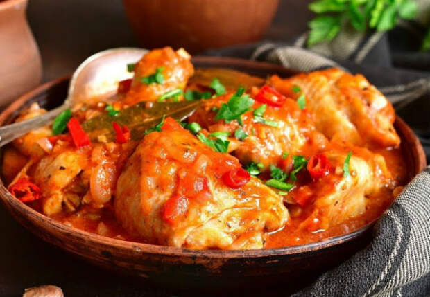 Курицу готовим как в Грузии: ставим на стол 4 блюда