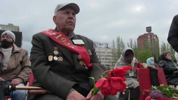 ВДНР прошел Парад Победы иакция Бессмертный полк