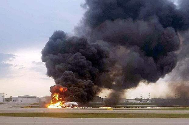 Пилот сгоревшего в Шереметьево год назад SSJ-100 дал первое после аварии интервью