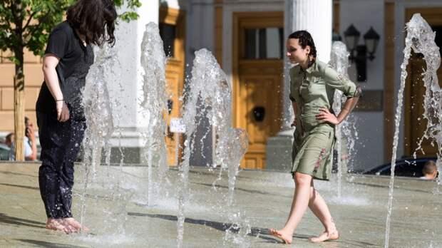Синоптик Тишковец назвал сроки окончания рекордно жарких дней в Москве