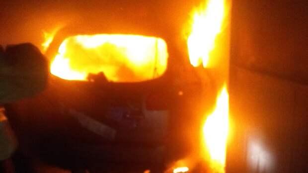 В Бахчисарайском районе в гараже сгорела легковушка