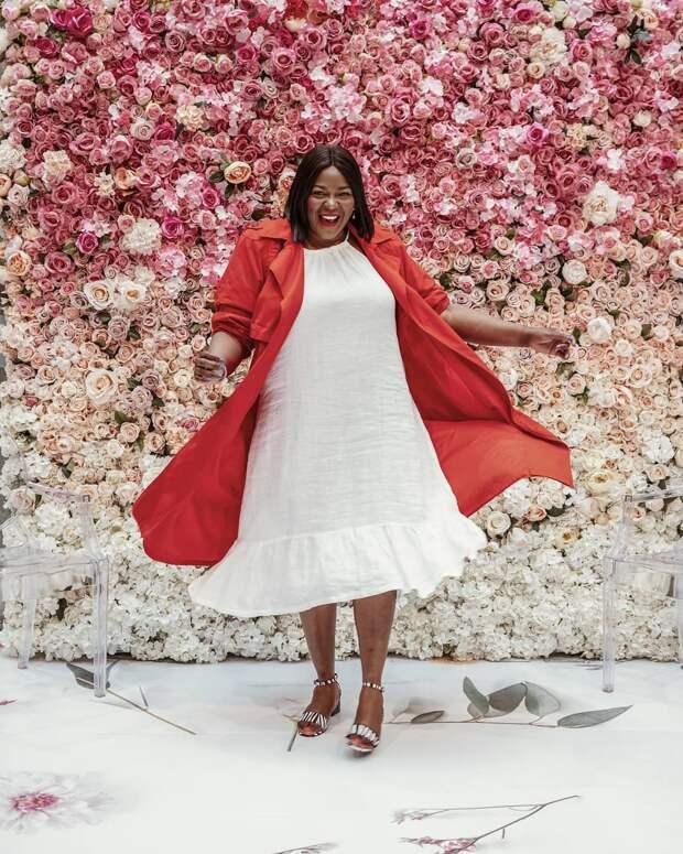 Платья для полных женщин: 30 моделей, которые подчеркнут женственность пышных форм