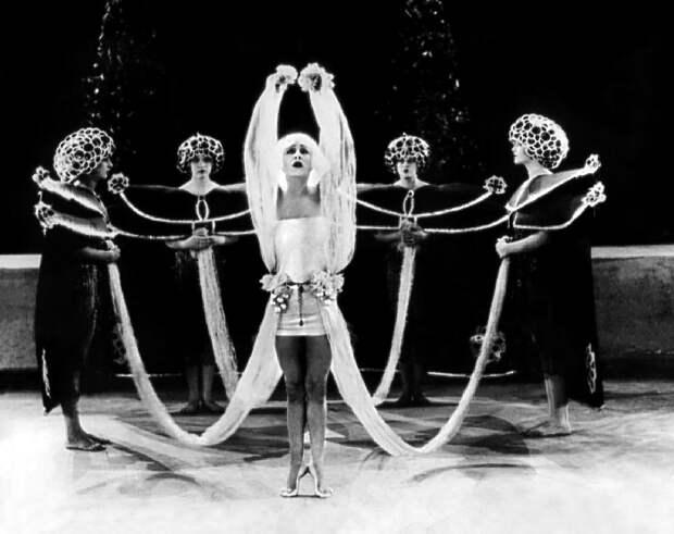 Алла Назимова: королева киношлюх
