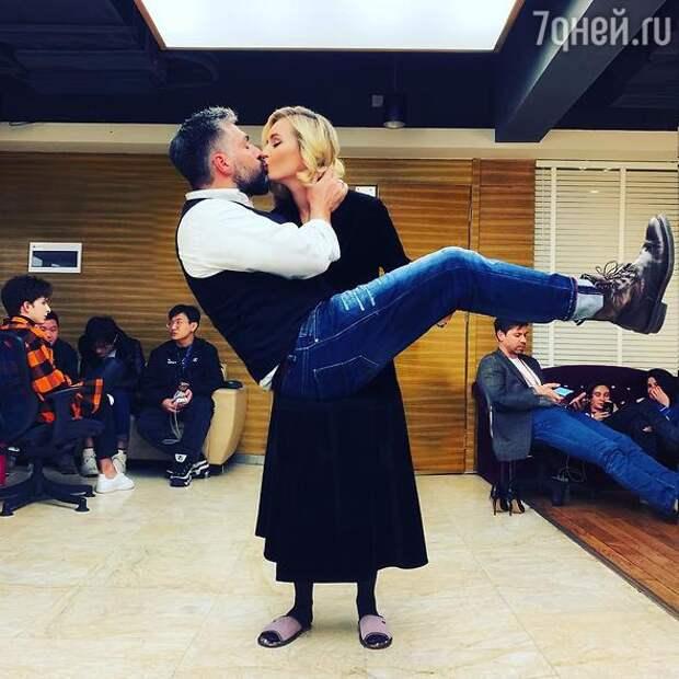 «Развелась ради Лазарева»: муж Полины Гагариной прокомментировал сообщения в СМИ