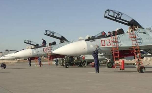 """На фото: тренировка российских и китайских летчиков перед учениями """"СИБУ/Взаимодействие – 2021"""" в Китае"""