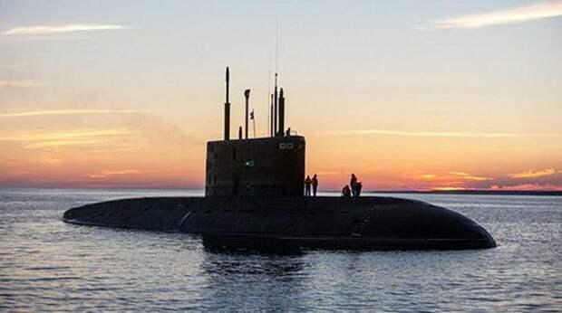 """""""Зловещие"""" российские подлодки в Атлантике напугали британцев"""