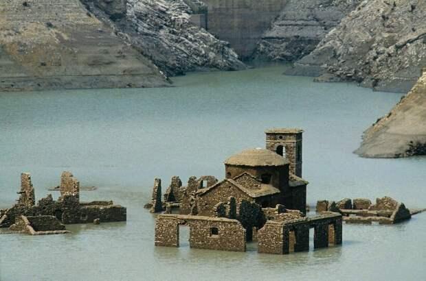 Сон субмеханофобов: 15 затопленных объектов, от которых не по себе