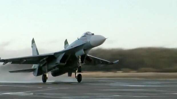 Су-27 поднимался на перехват военных бортов США и Швеции над Балтикой