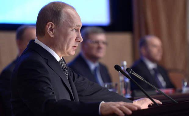 Путин проведет заседание коллегии ФСБ в очном формате
