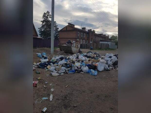 Продолжается борьба жителей Антипихи с мусорной свалкой напротив детского сада