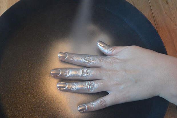 nails.inc-paintcan-3