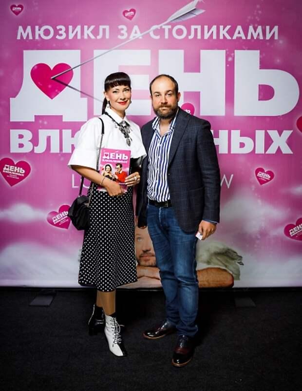 Ольга Бузова, Нонна Гришаева и Татьяна Лазарева отметили «День влюбленных» в Театре МДМ