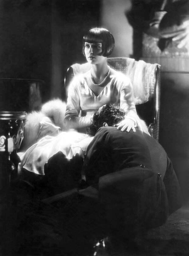 """Луиза Брукс в фильме """"Ящик Пандоры"""" 1928 год."""