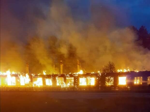 Сельская школа выгорела дотла в Вологодской области