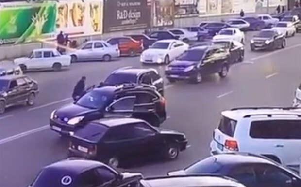 Охрана главы МВД Дагестана избила водителя BMW X5. И сказала, что за дело
