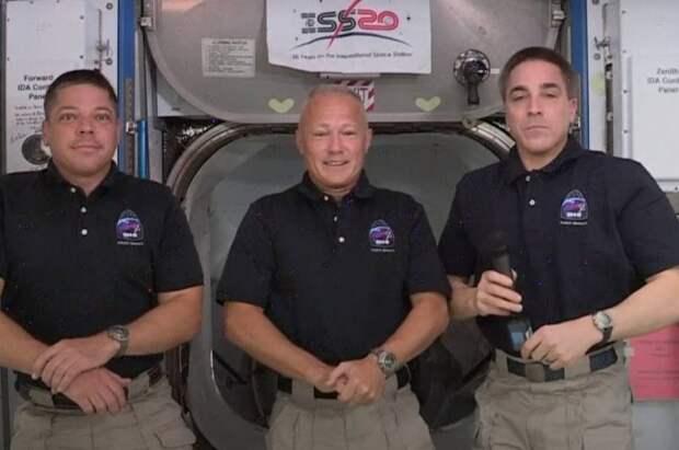 Корабль Crew Dragon в космосе, а что с нашим «Орлом»: космическая конкуренция
