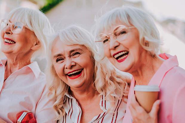 С кем живут современные женщины, если у них нет мужчины? Подсмотрела три варианта у зрелых дам