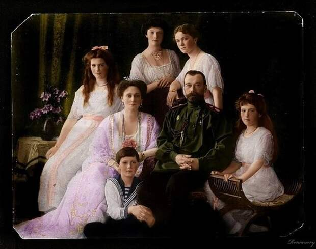 Императорская семья Романовых. | Фото: img-fotki.yandex.ru.
