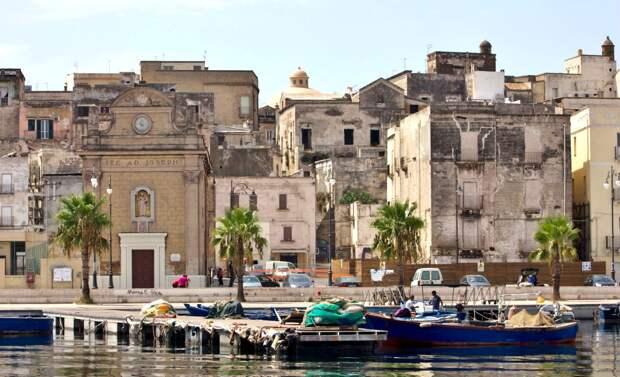 На юге Италии пустеют небольшие города, дома продают за 1 евро