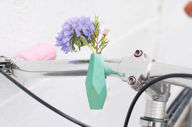 Цветочная вазочка для велосипеда – самый милый экотренд этой весны
