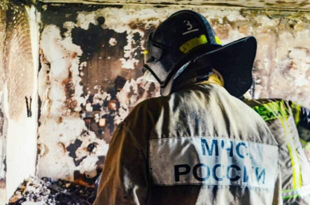 В Севастополе горела квартира, на улицу вывели 10 человек