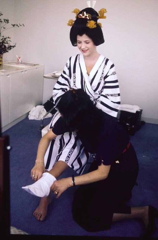 Софи Марсо в костюме Гейши
