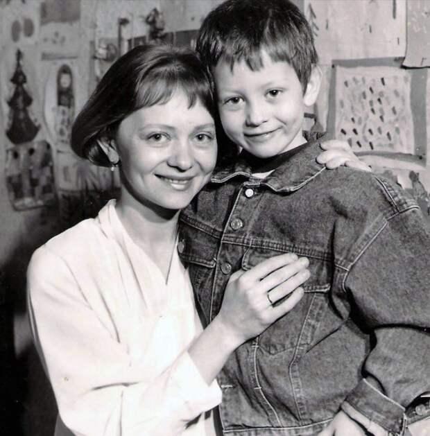Татьяне Божок- 63. Её муж -одноклассник Сергей, они вместе с первого класса!