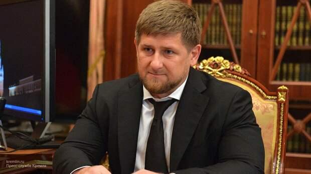 Кадырова возмутил инцидент с помывшими обувь у храма кавказцами