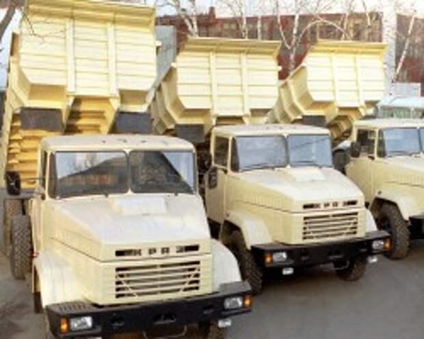 Вооруженные люди напали на шахту Ахметова и угнали 13 КрАЗов