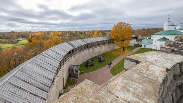 Изборск - крепость, которая спасла Россию (ФОТО)