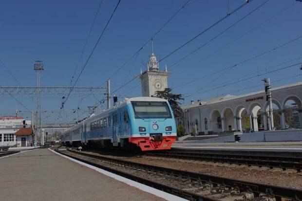 Движение пригородных поездов возобновляется в Крыму