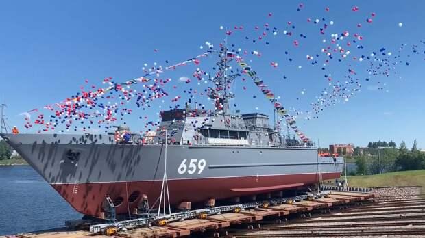 """В главном военно-морском параде приняли участие тральщики, строившие """"СП-2"""""""