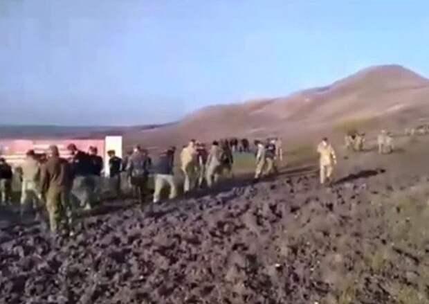 Бойцы «Витязя» сняли краповые береты в знак протеста