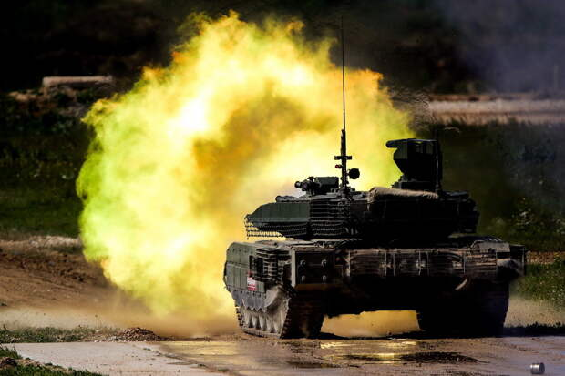 """National Interest назвал российский танк Т-90М """"монстром"""""""