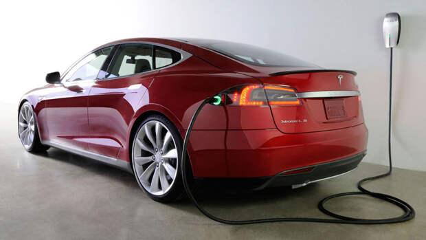 Массовые модели электромобилей станут дешевле аналогов с ДВС уже к 2025 году