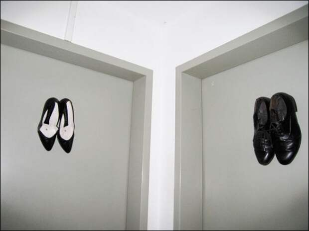 Креативные таблички на дверях туалетов из разных стран