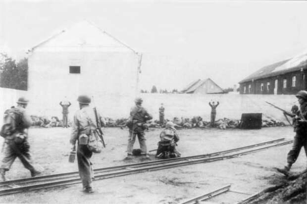"""О Минуте Молчания, и том, как американцы """"потерявшие родных и близких в сталинских лагерях"""", освобождали Дахау. 16+"""
